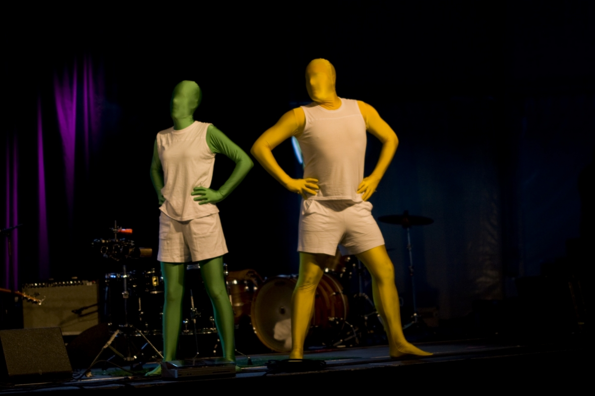 2011 spectacle animation morphsuit