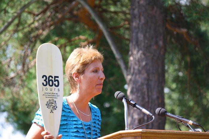 France Gélinas député conférence presse 2011 canoe